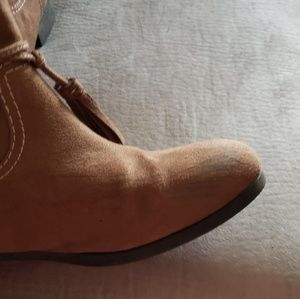 zoe & zac Shoes - Girls booties
